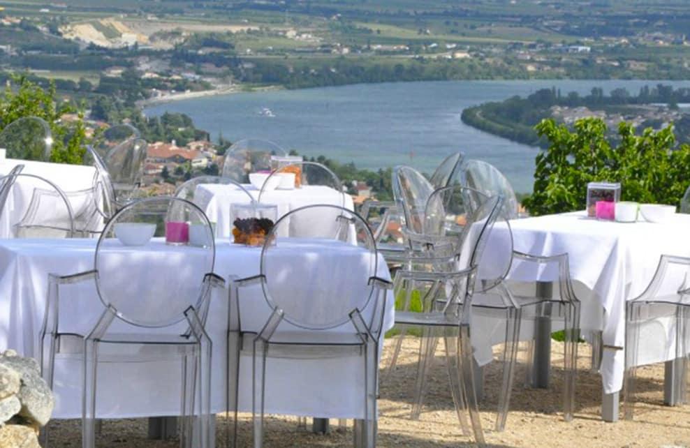 http://www.vin-gastronomie-drome.com/bar-ephemere-a-la-chapelle/
