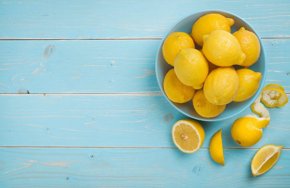 citrons sur fond bleu
