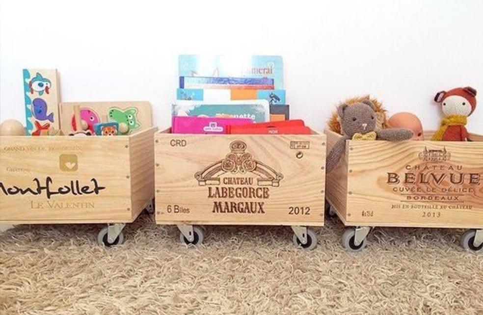 caisses à jouets sur roulettes fabriquées à partir de caisse s vin