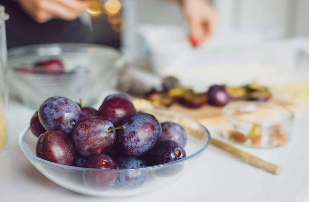 Variétés, recettes, vertus : tout savoir sur les prunes