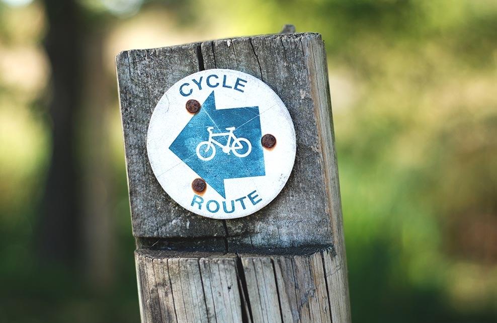 panneau indiquant une voie cyclable