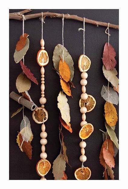 Guirlande de feuilles et fruits séchés