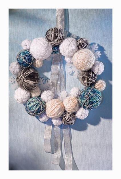 couronne de pelotes de laine