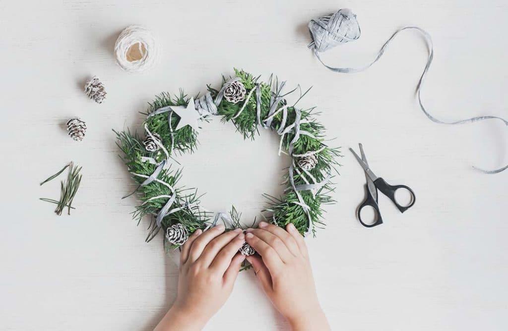 #DIY : 7 idées pour une couronne de Noël qui en jette