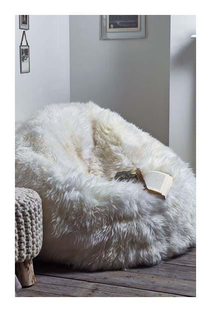 Fauteuil moumoute cosy pour lire