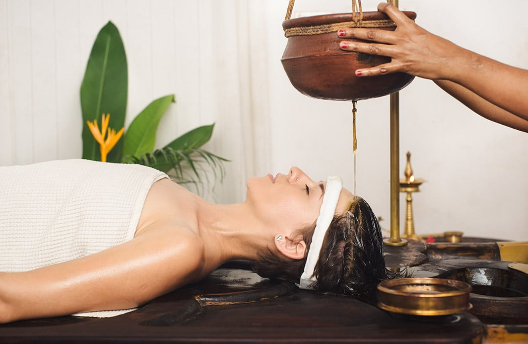 Massage ayurvédique réalisée par une indienne