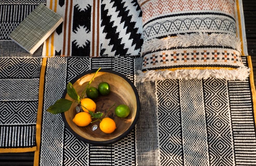 coussin avec corbeille de fruit