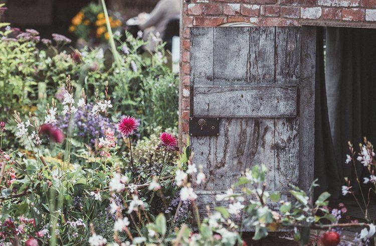 7 idées repérées sur Pinterest pour aménager votre abri de jardin ...