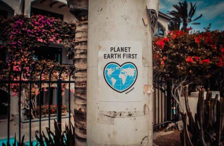 Panneau de signalisation pour la protection de la planète