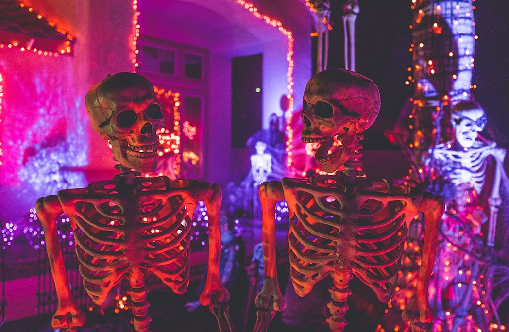 Deux squelettes en train de danser