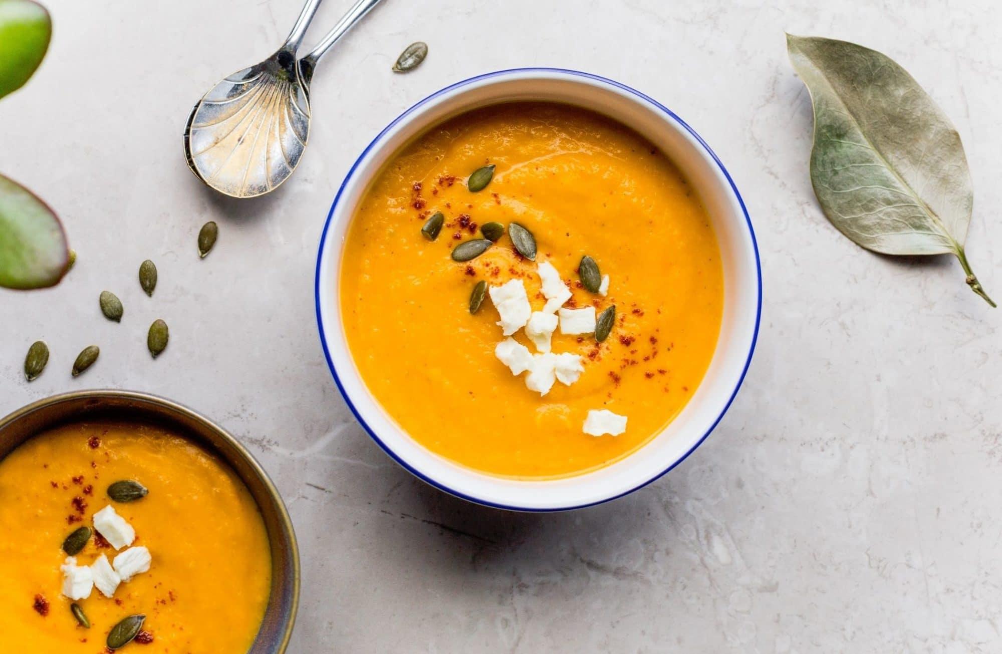 8 idées de légumes surprenants pour vos soupes !