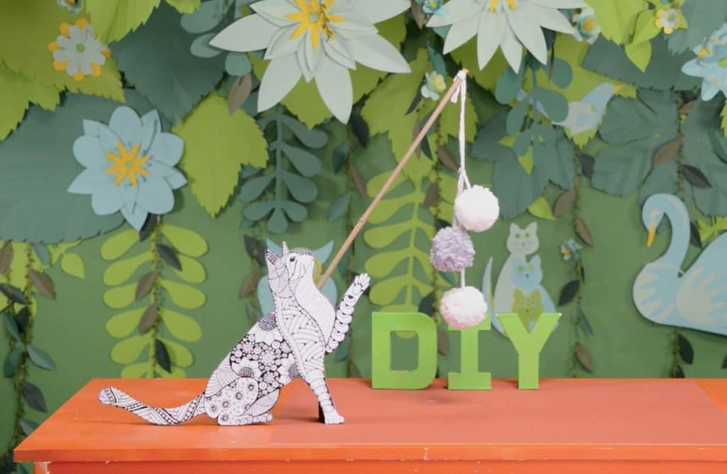 #DIY : Comment fabriquer un jouet à pompon pour chat ?
