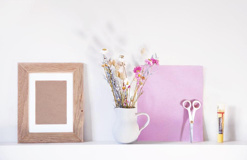 Matériel nécessaire pour créer un herbier de fleurs séchées