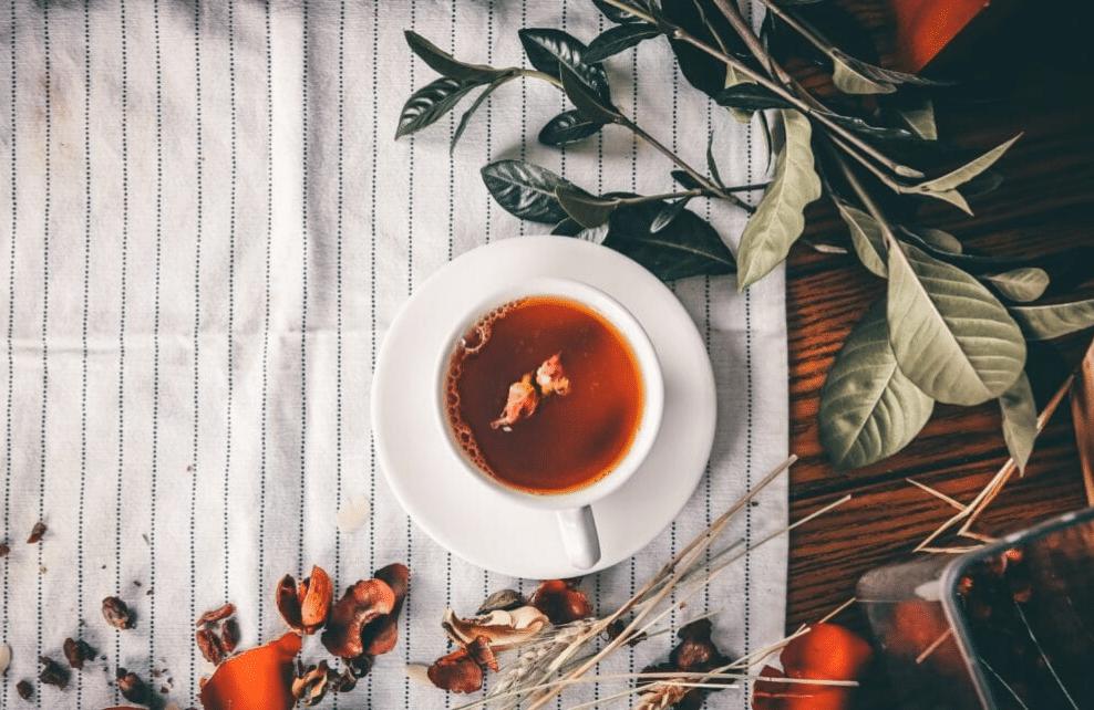 Le thé et le café sont des excitants