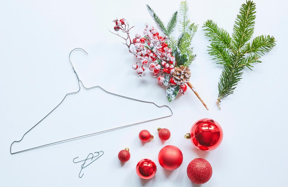 DIY Mon cintre-couronne de Noël : matériel nécessaire
